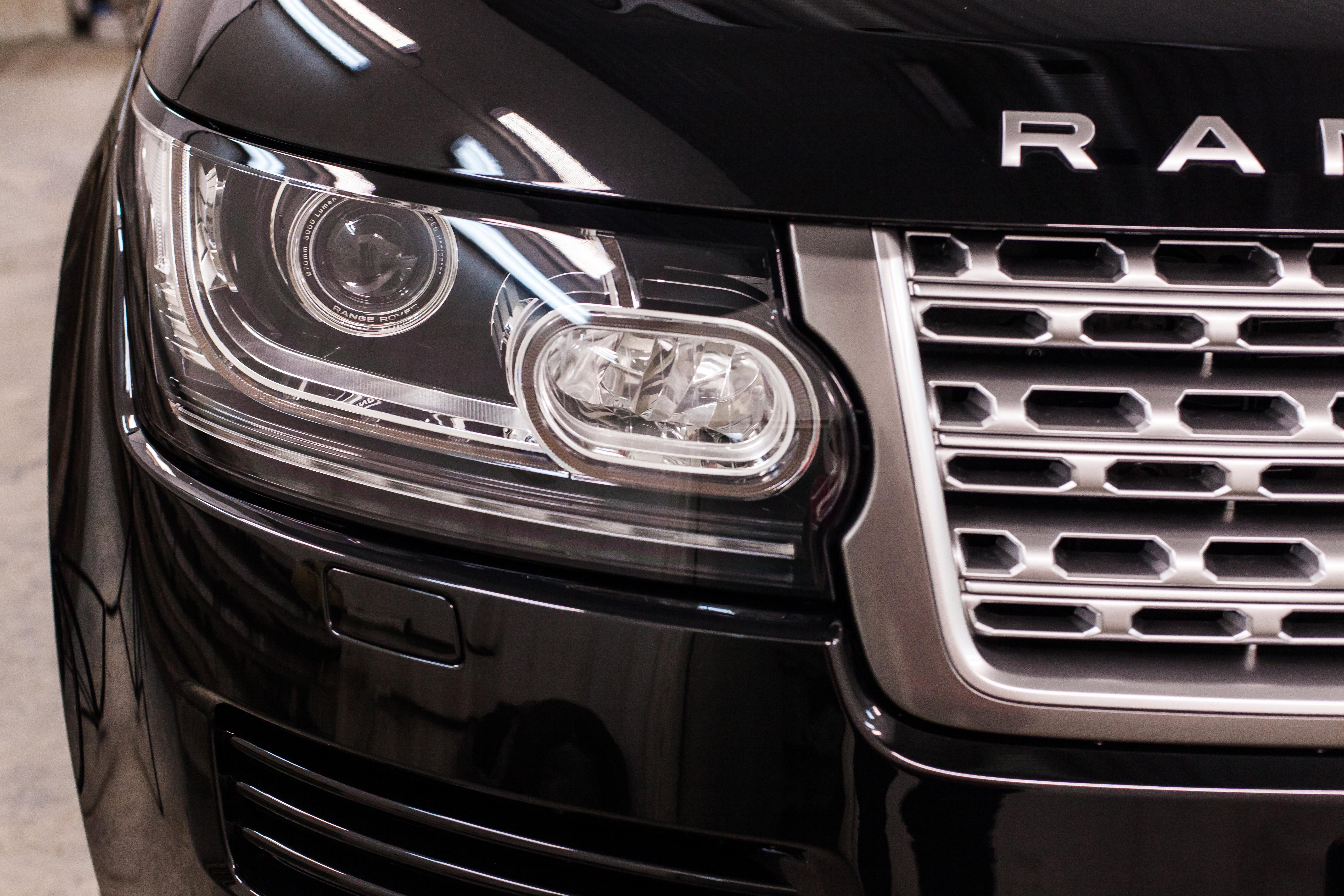 Восстановление прозрачности и полировка фар автомобиля